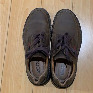 Ecco shoes for men size 40